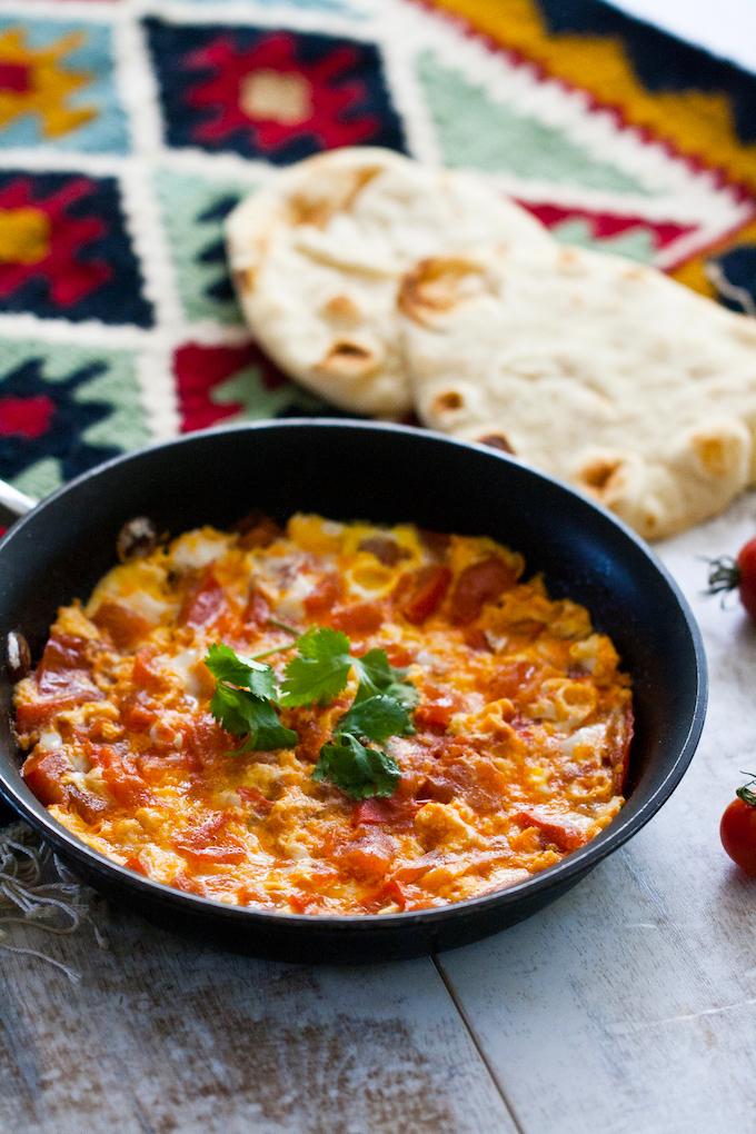 Pomidor Çığırtması (Pomidor-Yumurta)
