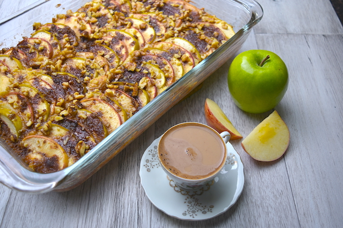 Apple Coffee Cake With Sliced Apples
