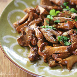 Sautéed Chanterelles with Garlic