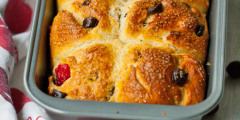 Cranberry-Chocolate Sweet Buns
