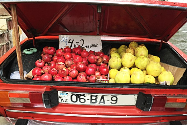 Fruit sale in Baku | AZ Cookbook