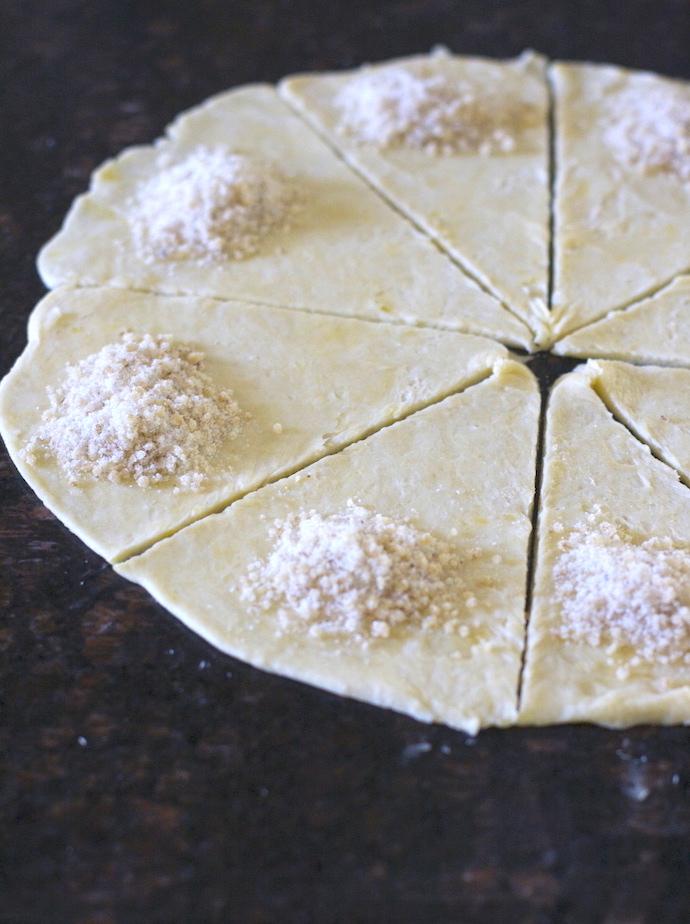 Cardamom-Walnut Cookies (Mutekke)