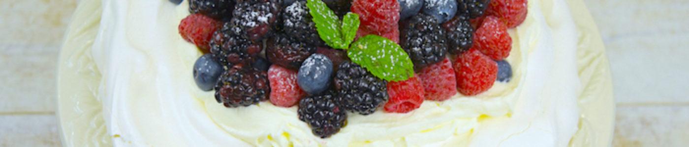 Fresh Berry Pavlova Cake (Video)